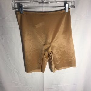 NWOT Spandex shorts size medium SPANX